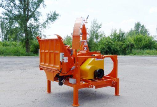 Rębak Teknamotor SKORPION 280 RBG to najmniejszy ciągnikowy rębak bębnowy z systemem gąsienicowym